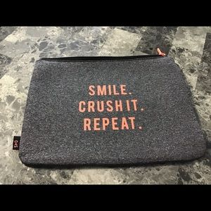 Stella & Dot All in One Sports Pouch